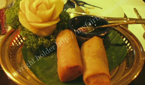 タイ料理の春巻き