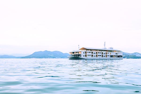 瀬戸内海の豪華客船gantu:ガンツウ